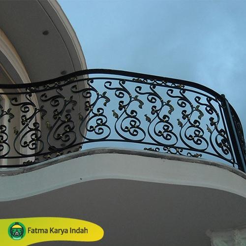 railing antik