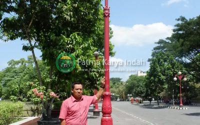 Proyek Tiang Lampu UGM Yogyakarta